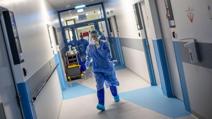 За месяц в мире COVID-19 заболело 20 млн человек