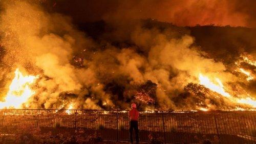 Более 4400 пожарных локализуют пожар в Калифорнии