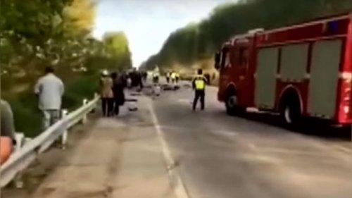 В Китае 15 человек погибли в ДТП с трактором