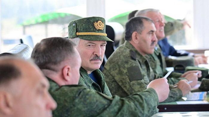 Беларусь купит у РФ оружие более чем на $1 млрд
