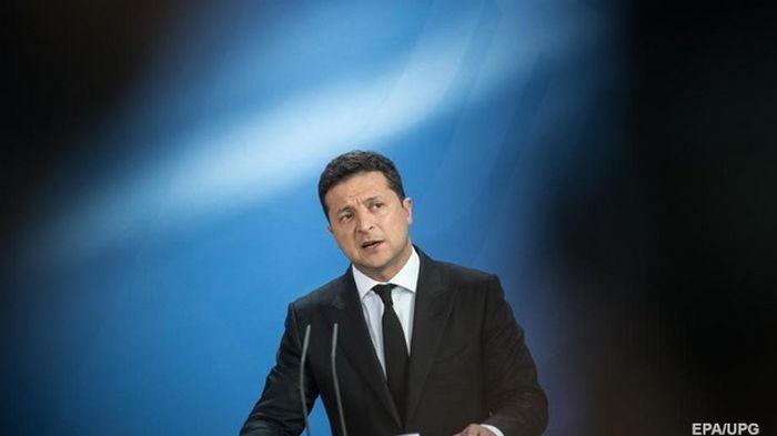 Зеленский поручил Кабмину развивать украинское кино