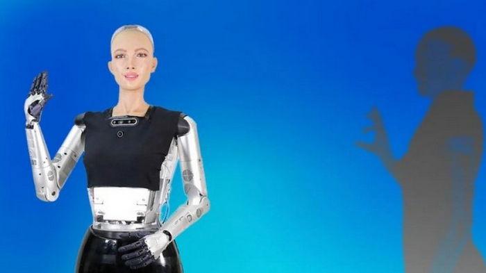 В этом году начнется массовое производство знаменитого робота София (видео)