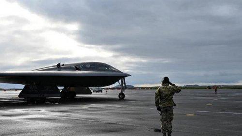 Американский бомбардировщик B-2 совершил аварийную посадку