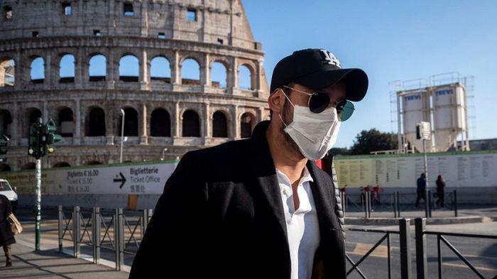 В Италии бум записей на вакцинацию после объявления COVID-паспорта обязательным