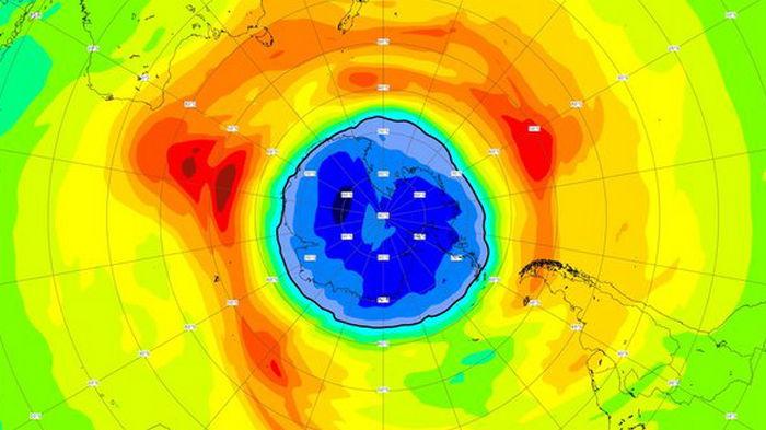 Озоновая дыра над Южным полюсом в этом году больше Антарктиды