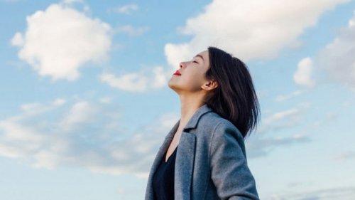 Ученые рассказали, почему люди обычно дышат только одной ноздрей