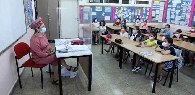 В Израиле больше половины новых случаев COVID-19 у детей. Школьников обязали делать тесты
