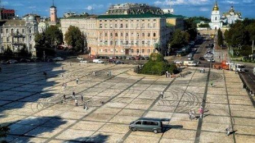 Назван размер ущерба, нанесенного Софийской площади в результате дрифта