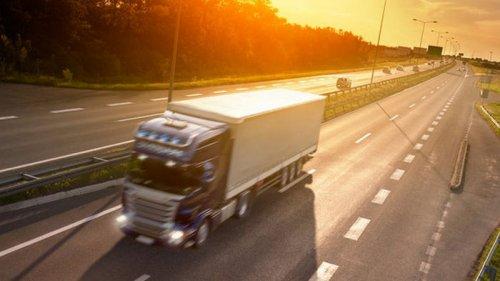 Кабмин готовится ввести плату за пользование дорогами для тяжелых грузовиков
