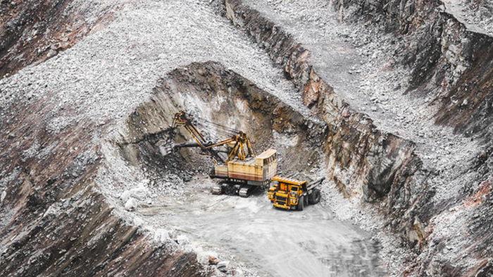 Олигархи будут платить за руду еще меньше благодаря правкам в законопроект №5600 – ЦЭС