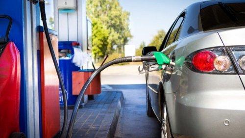 Украинские АЗС снизили цены на бензин, но подняли на дизтопливо