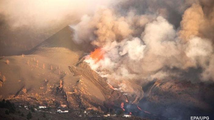 У вулкана на Пальме открылась новая трещина