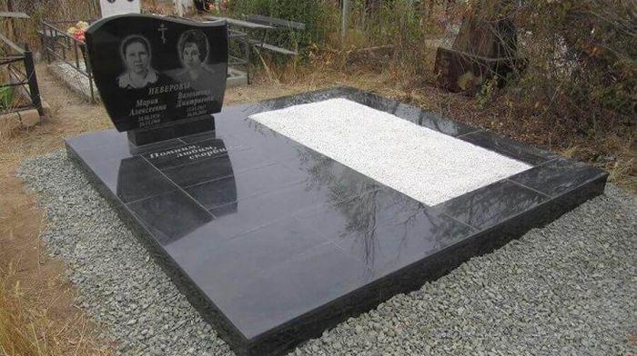 Памятники из мрамора и гранита: особенности материалов