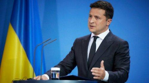Почти 100% украинцев ждут от Зеленского объяснений за офшоры