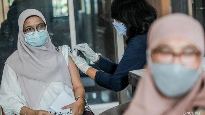 Генсек ООН призвал к глобальной вакцинации