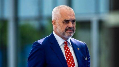 В Албании объявлено чрезвычайное положение в сфере энергетики