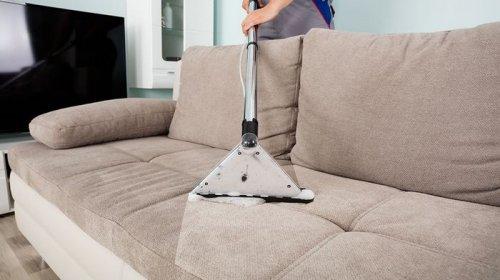 Химчистка дивана на дому: преимущества
