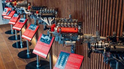 Сувенирные двигатели Ferrari продают по цене нового Renault Logan (фот...