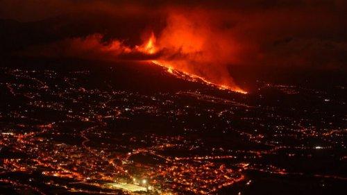 На Канарах не видят конца извержению вулкана. Оно идет почти месяц