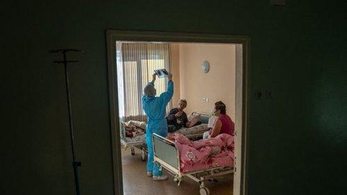 Прирост COVID-19 в Украине замедлился